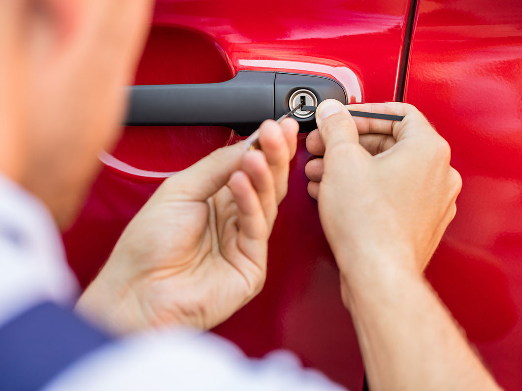 3 benefits of choosing our automotive locksmith